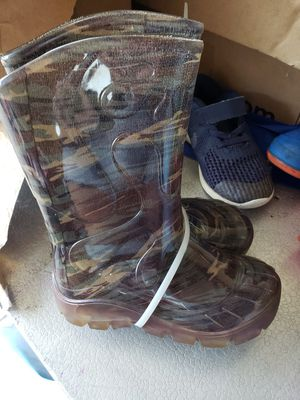 Toddler boys rain boot size 24 or 8/9 size 8 size 9 for Sale in Oak Lawn, IL