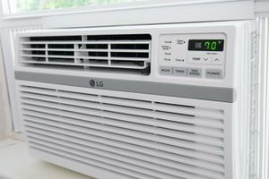 LG Window Unit AC. 10,000 btu for Sale in Bakersfield, CA