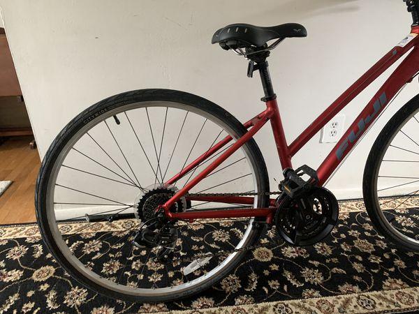 Fuji bike for ladies. (hybrid / comfort)