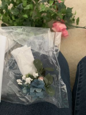 Bridal and bridesmaids Bouquets and floral decor for Sale in Matthews, NC