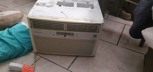 Ac Frigidaire works great perfect for a mid size room for Sale in Corona, CA
