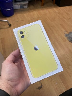 iPhone 11 128GB Yellow Brand New for Sale in Haines City, FL