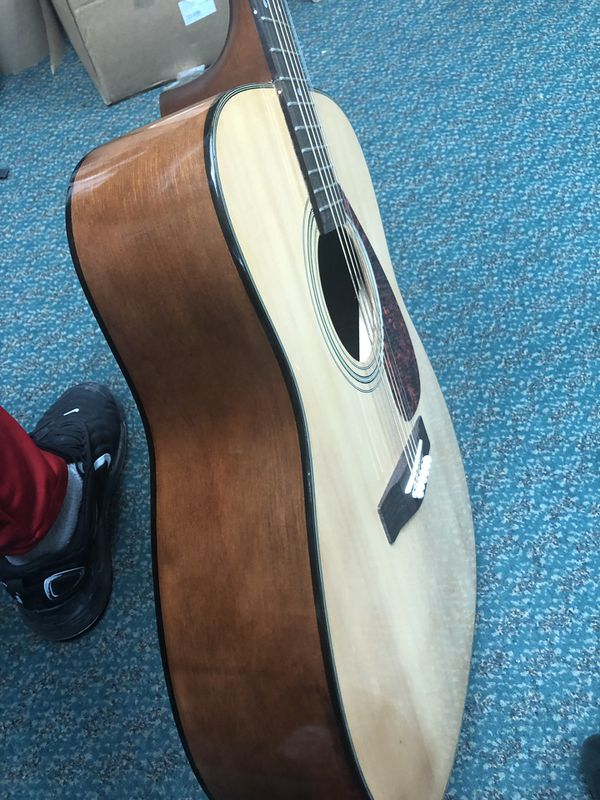 Guitar / A Coustic , Musical Instruments Yamaha In Bag.. Negotiable