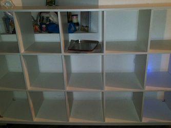 Free cubes Bookshelf for Sale in Pembroke Pines,  FL