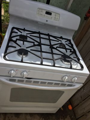 Ge gas stove works on everything for Sale in San Bernardino, CA