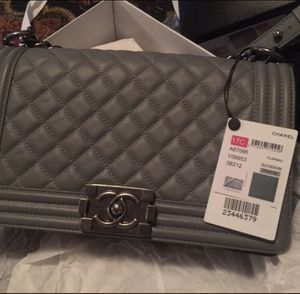 Chanel Medium Boy Bag for Sale in Wilmette, IL