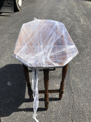 Antique occasional table for Sale in Chicago, IL