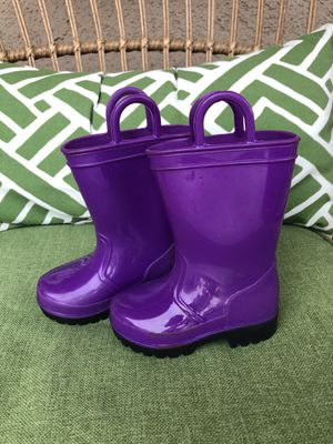 Purple toddler girl rain boots for Sale in Artesia, CA
