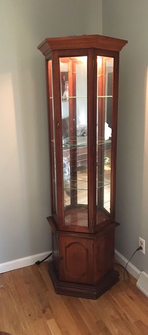 Lighted curio for Sale in Wexford, PA