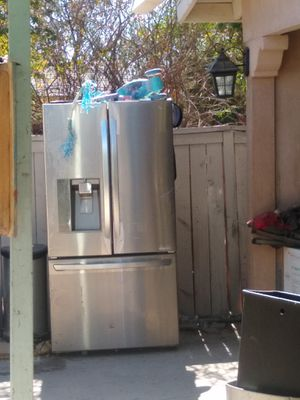 Free no sirve pick up only for Sale in San Bernardino, CA
