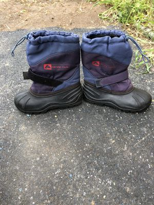 Snow boots size 13 for kids for Sale in Escondido, CA