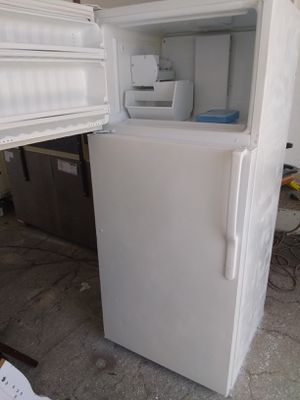 Combo G/E Refrigerator Hi66 Wid 30 Electric Stove and dishwasher all working perfect condition$350 for Sale in Boca Raton, FL