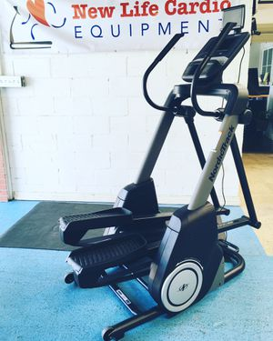 NordicTrack Fs7i FreeStride Trainer Elliptical + Stepper for Sale in Calabasas, CA