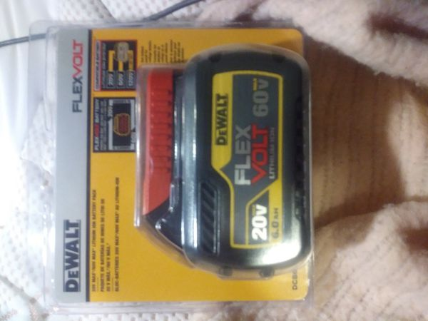 DeWALT 60V FLEXVOLT LITHIUM-ION 6AH Battery