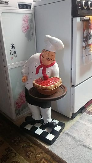 I have a chef statue collectible about 2 ft tall I'm asking $100 for it if you're interested in it call John at {contact info removed} thank you for Sale in Las Vegas, NV