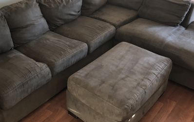 Sectional Couch W/ Pullout Bed and Matching Ottoman for Sale in Tigard,  OR