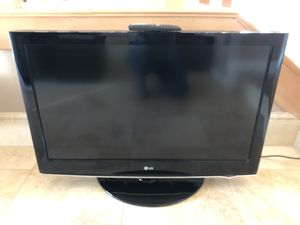 LG 37 inch LCD TV for Sale in Escondido, CA