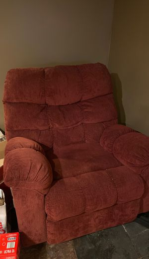 FREE RECLINER for Sale in Spring Grove, IL