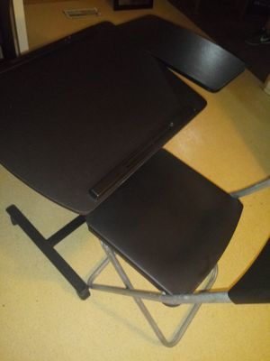 Computer Laptop Desk and Chair for Sale in Lansing, MI