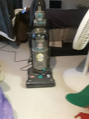 Bissell vacuum for Sale in Fresno, CA