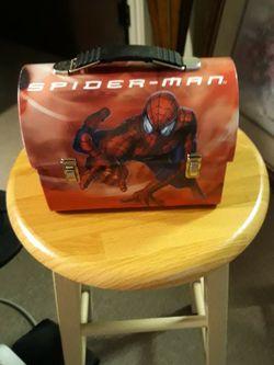 CA. 2002 SPIDERMAN. METAL LUNCH BOX. THE TIN BOX COMPANY for Sale in San Bernardino,  CA