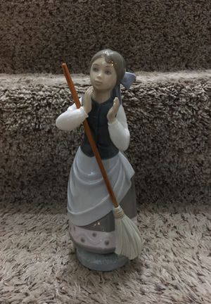 "Lladro ""Girl With Broom"" Figurine for Sale in Aurora, IL"