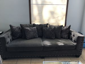 couch and love seat for Sale in Marietta, GA