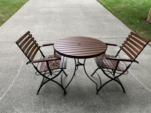 Patio table & chairs for Sale in Gig Harbor, WA