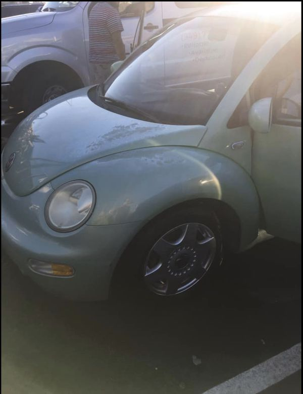 2001 Volkswagen New Beetle GL Hatchback 2D