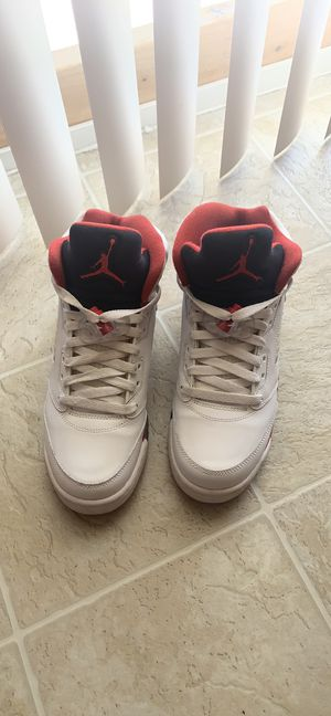 "Air Jordan 5 Retro (GS) ""Fire Red Black Tongue"" for Sale in Florissant, MO"