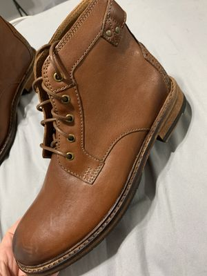DARK TAN LEATHER BOOTS 7M(CLARKS) for Sale in Hollywood, FL