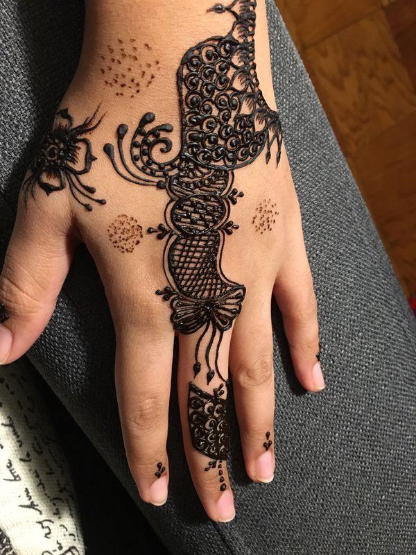 Henna tattoo and design