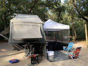 Overlander camper - Black Series Dominator specs for Sale in Fort Lauderdale, FL