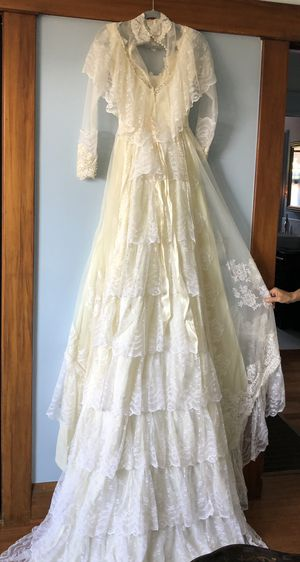 Vintage Wedding Dress size 8 for Sale in San Diego, CA