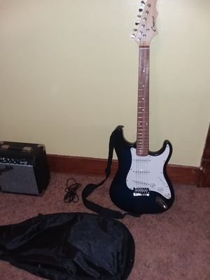 Crescent Electric Guitar for Sale in Bloomfield, IA