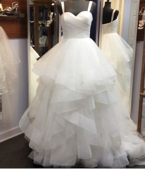 NEW W/ TAGS Wedding Dress(free delivery) for Sale in Riverside, CA