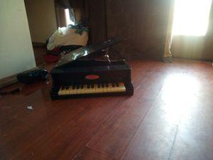 Mini piano for Sale in Colton, CA