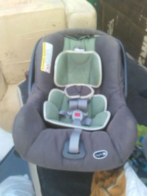 Baby car seat for Sale in Philadelphia, PA