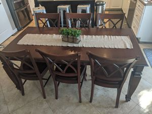 EXTENDABLE dining table & 8 chairs! for Sale in Chandler, AZ