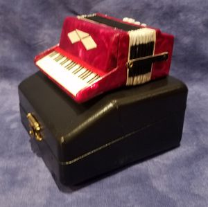 Miniature Accordion Model With Case for Sale in Walnut, CA