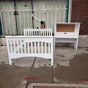 Full size bed frame and desk for Sale in Kansas City, MO
