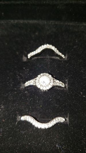 lajerrio wedding set for Sale in South Elgin, IL