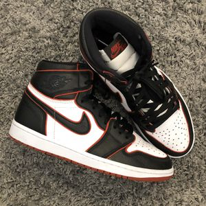 AIR JORDAN 1 RETRO BLOODLINE SIZE 10.5 for Sale in Queens, NY