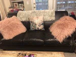 Leather sofa in excellent condition, purchased for $2,500 selling for $700 for Sale in Bethesda, MD