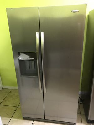 REFRIGERATOR WHIRLPOOL GOLD STAINLESS STEEL COUNTER SIZES DEEPTH for Sale in Los Angeles, CA