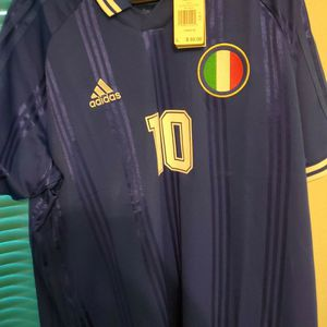 Itally Soccer Jersey Collectible Edition for Sale in Santa Clarita, CA