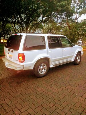 2001 Ford Explorer Limited V6 Motor w/ 189k for Sale in Seattle, WA