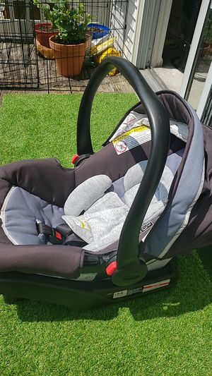 Graco carseat with base for Sale in Blacklick, OH