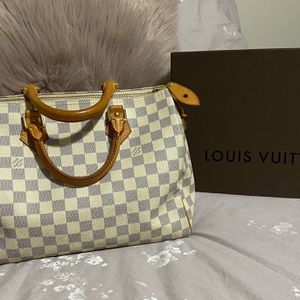 Authentic Louis Vuitton Speedy 30 for Sale in East Providence, RI