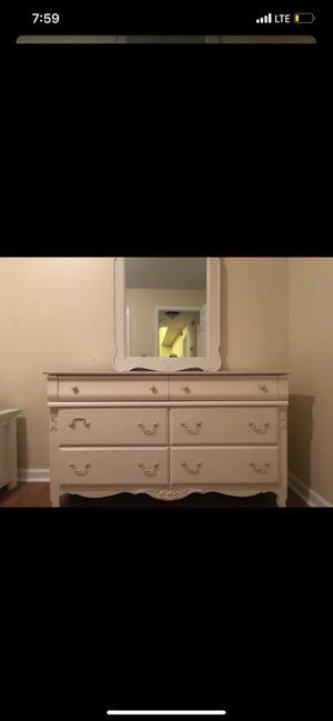 SHABBY CHIC CUSTOM VAUGHN BASSETT BEDROOM SET BEAUTIFUL for Sale in Nashville, TN